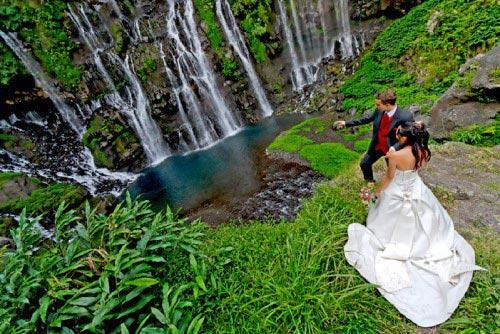 Mariage à la cascade de Langevin par Daniel AUGUSTE