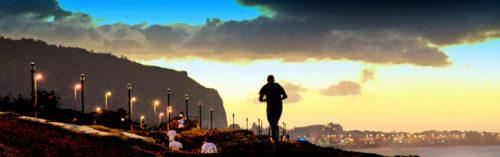 Jogging au coucher du soleil sur Saint-Denis